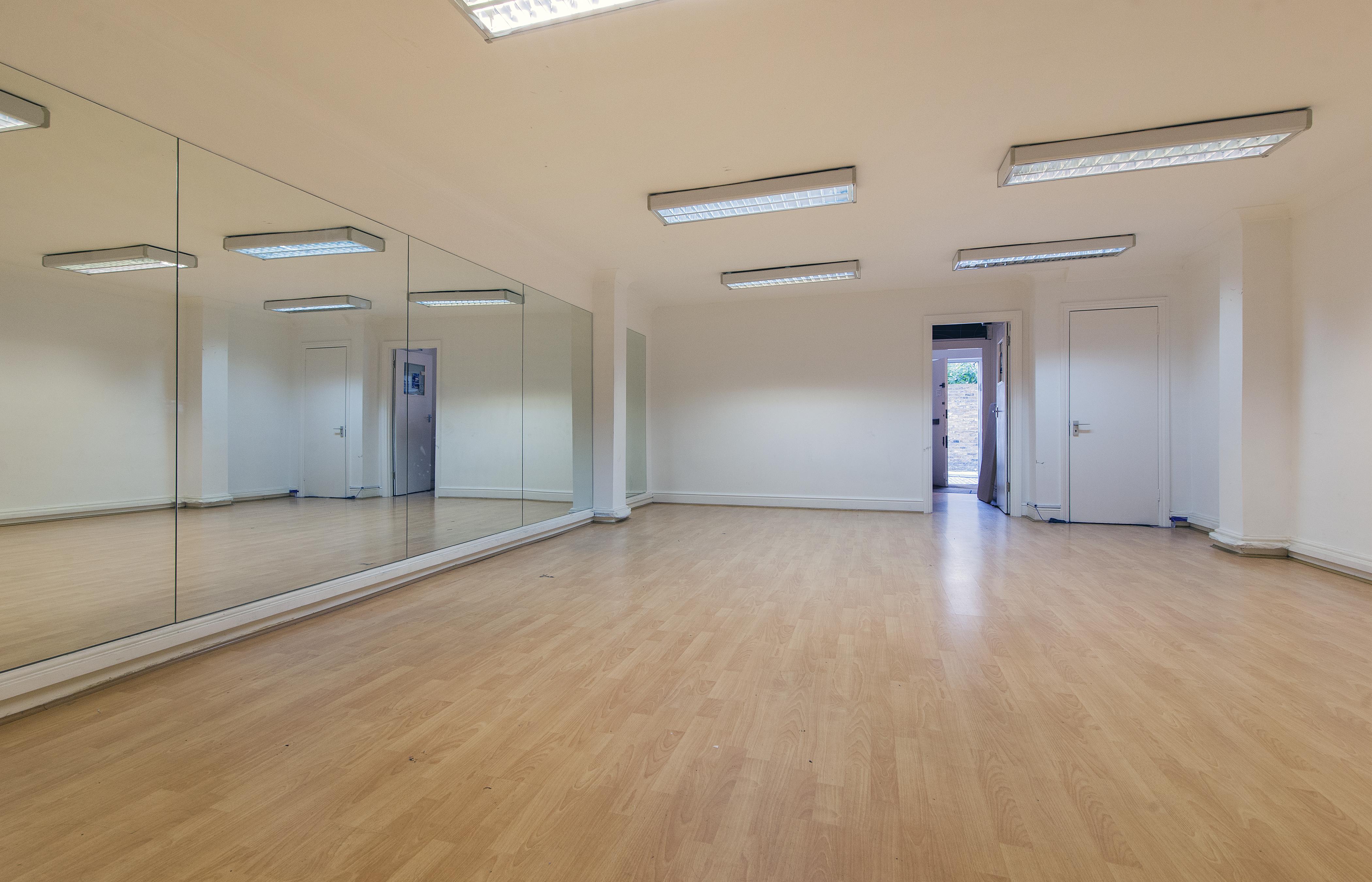 Dance Room 3, 2